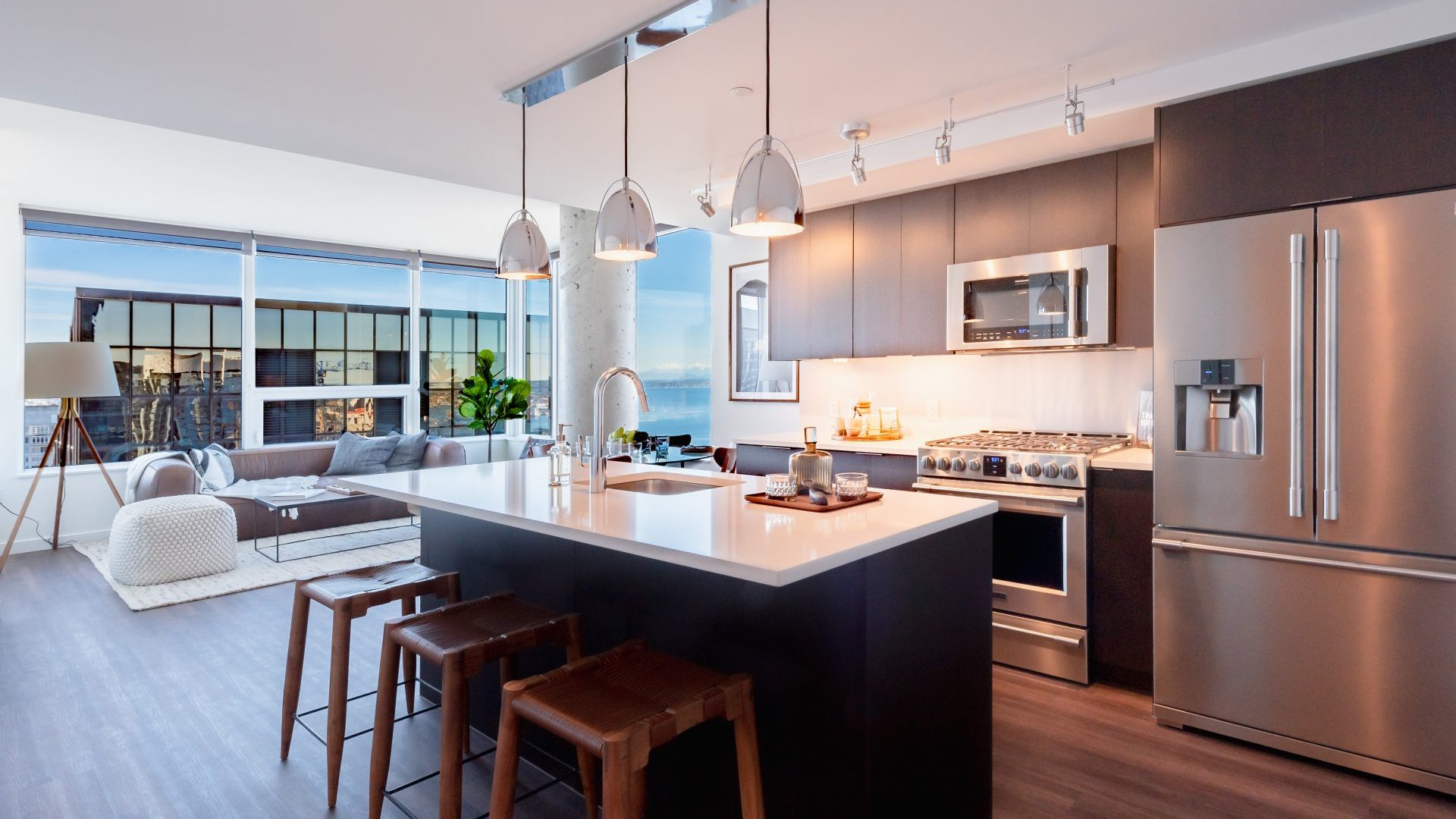 Spacious Kitchen Islands At Arrivé Apartments in Seattle, WA