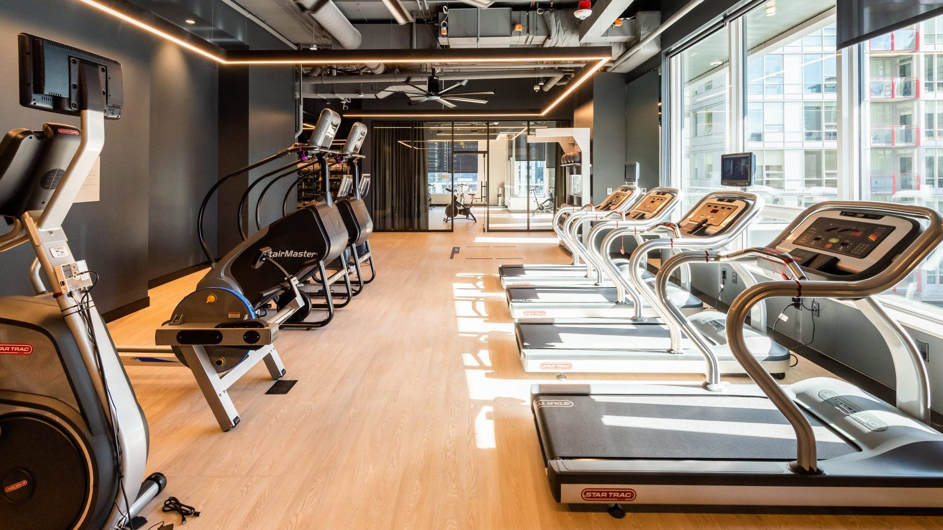 24/7 State-Of-The-Art Fitness Center At Arrivé Apartments in Seattle, WA