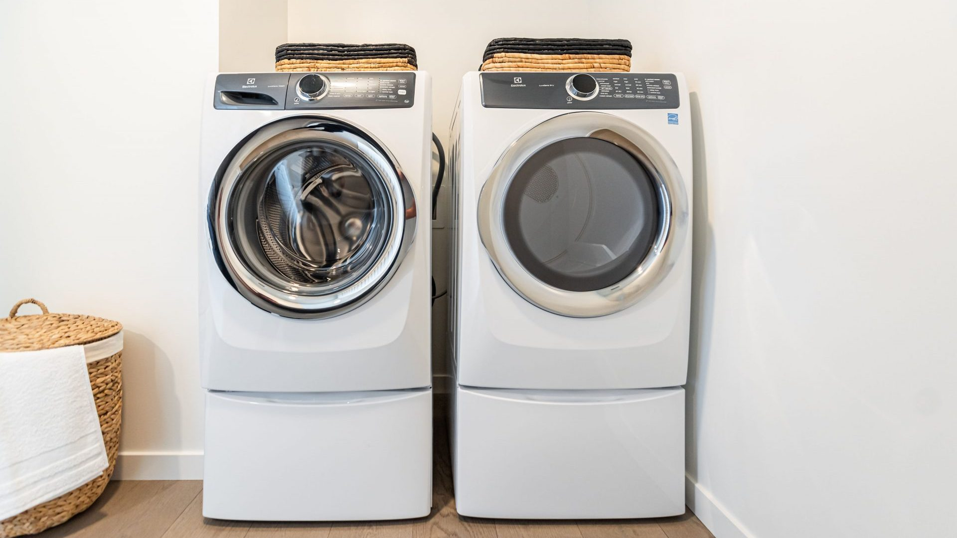 In-Unit Washer & Dryer At Arrivé Apartments in Seattle, WA