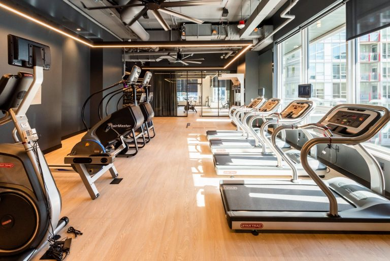 State-Of-The-Art Fitness Center At Arrivé Apartments in Seattle, WA