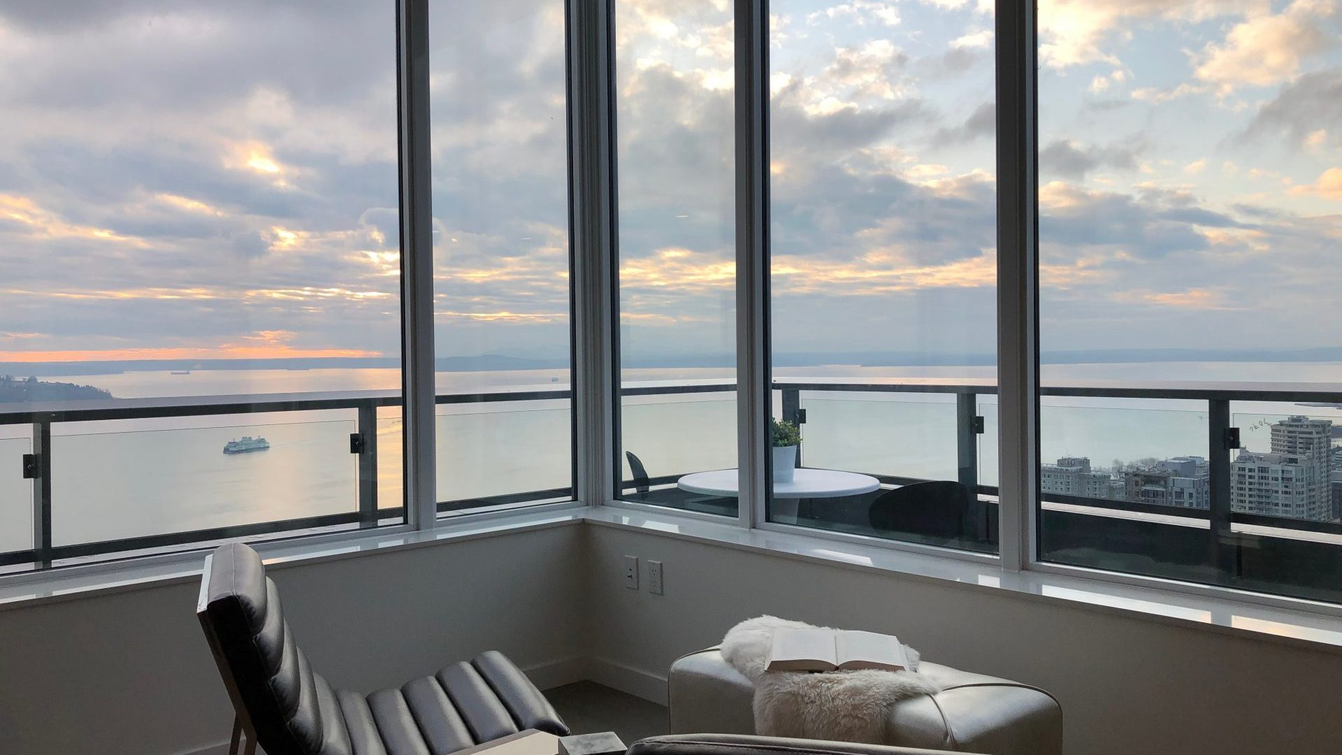 Spectacular Seattle Views At Arrivé Apartments in Seattle, WA